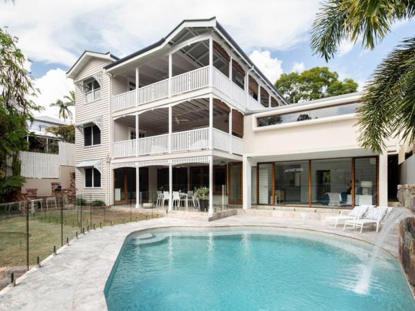 В Австралии продаётся дом с мечтой подростка внутри. Но это не единственный секрет, который таит в себе жильё