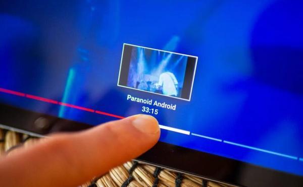 YouTube вводит новую фичу, которая делит видео по смыслу. Теперь не заблудишься даже в интервью Дудя