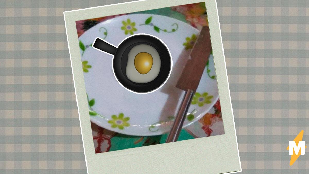 Куры снесли фермеру яйца с зеленком вместо желтка. Но зря он вывел из них цыплят - потомство озадачило учёных