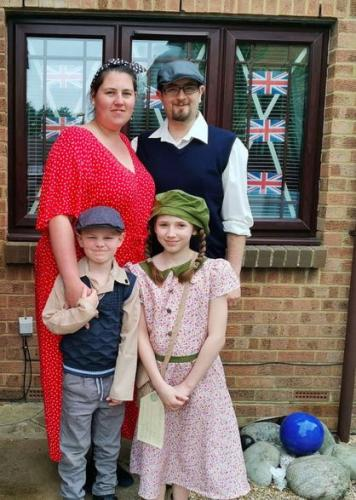 Лорна с мужем и детьми