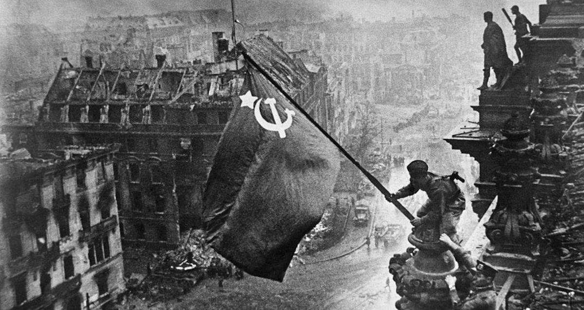 """""""До слёз пробрало"""". Поисковик показал, что находил на полях Великой Отечественной и напомнил об ужасе войны"""