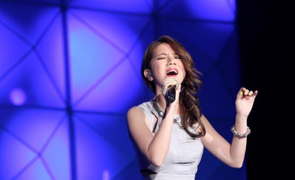 Певица врала о своём возрасте, выдавая себя за 29-летнюю. Но узнав правду, фаны полюбили её только сильнее