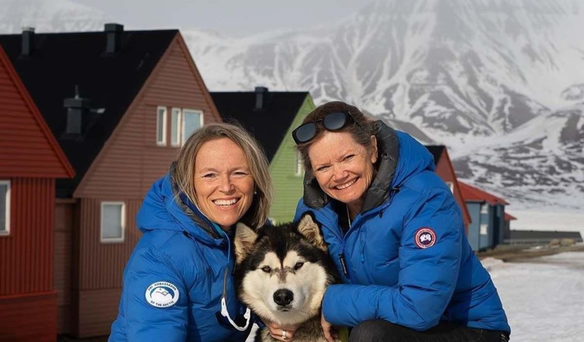 Девушки застряли на карантине среди льдов в Арктике. У них нет воды и электричества, только скиллы выживания
