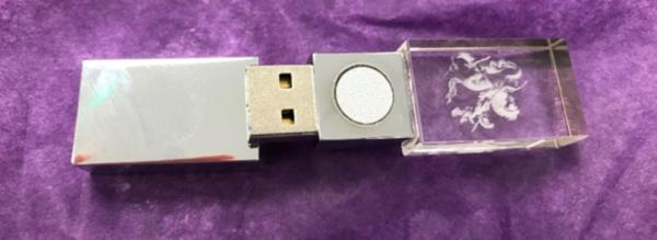 В Сети продают флешку с защитой от 5G за 350 долларов. Но люди нашли оберег ещё бесполезнее, и будет больно