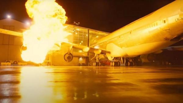 """Кристофер Нолан взорвал настоящий """"Боинг"""" для своего фильма """"Довод"""". Самолёт вышел дешевле работы художников"""