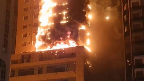 Жилой небоскрёб вспыхнул в ОАЭ, и кадры - как из фильма-катастрофы. Большинство жильцов отделались испугом