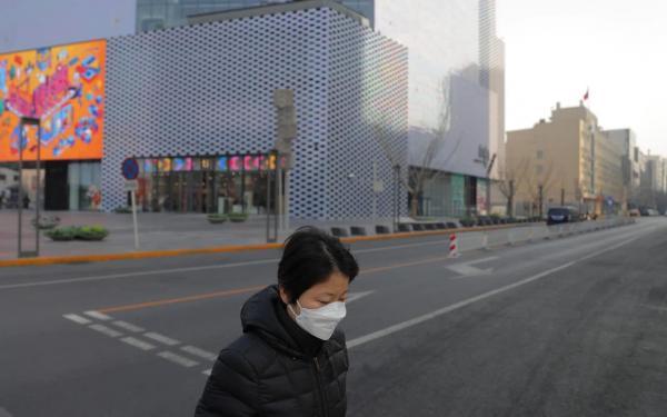 Коронавирус вернулся на север Китая, а вместе с ним и карантин. В изоляции вновь оказалось сто миллионов людей