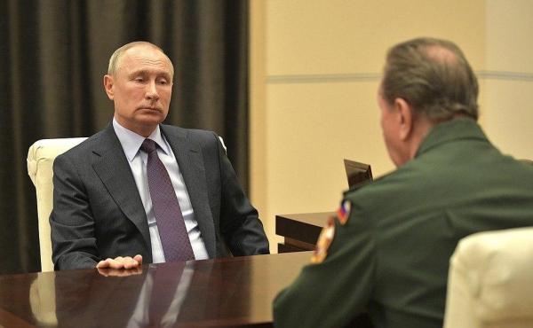 """В """"бункер"""" к Путину с докладом приехал глава Росгвардии. Похоже Золотову не поддался правительственный Zoom"""