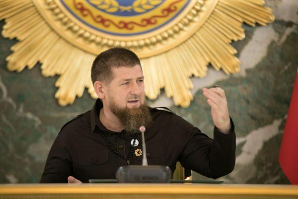 Кадыров опубликовал первое фото после сообщений о своей болезни. Но найти его на снимке не так-то просто