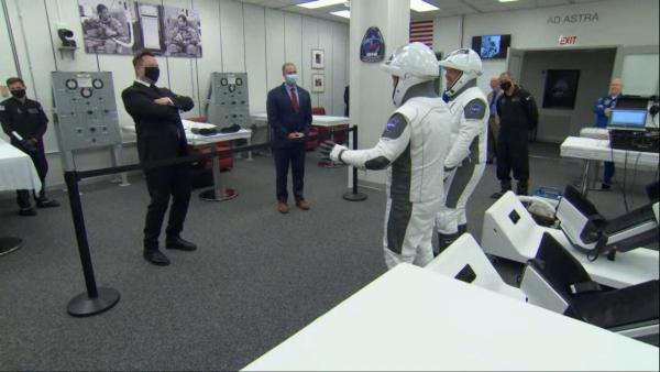 """Глава """"Роскосмоса"""" заявил, что Маск опасен для Марса и Земли. Благие намерения - прикрытие для бомб в космосе"""
