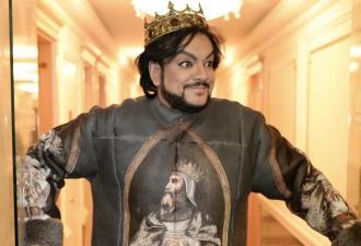 Филипп Киркоров ворвался в TikTok и показал огромный гардероб. А хейтеры шутят – король покупает вещи на рынке