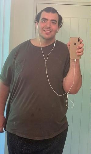 Парень верил, что умрёт к 30 годам из-за лишнего веса. Но сила воли и труд