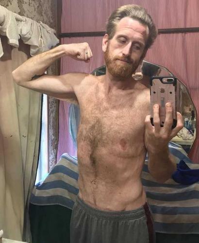 Парень потерял 160 кило из 230, но в спортзал не ходил. Всего-то нужно было один раз пообедать в забегаловке