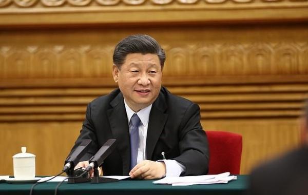 Певец постит селфи и ловит баны за порчу имиджа главы Китая. Ведь от Си Цзиньпина его не отличают и спецслужбы