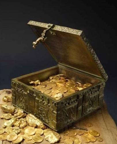 Старик уверял, что спрятал клад, но люди перестали его слушать. А зря - один парень поверил ему и стал богачом