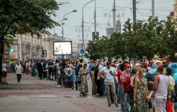 Белоруссию охватили протесты на фоне странных выборов. И на видео задержаний силовики не щадат даже глухонемых