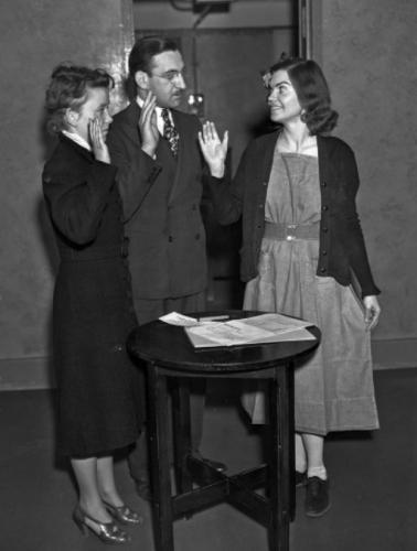 Педагог в 30-х едва не лишилась свободы из-за ношения брюк. Спустя 80 лет люди узнают её историю и поражаются