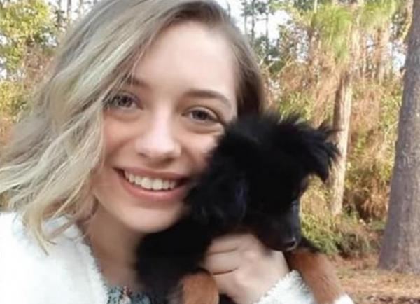 """Девушка разоблачила в фейсбуке родителей-""""расистов"""" и устроила семье ад. Но люди на её стороне"""