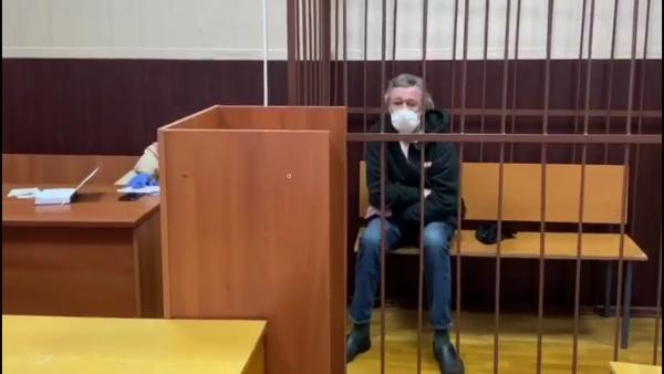 Как проходило задержание Михаила Ефремова. В деле об аварии новые подробности - наркотики, скорая, арест