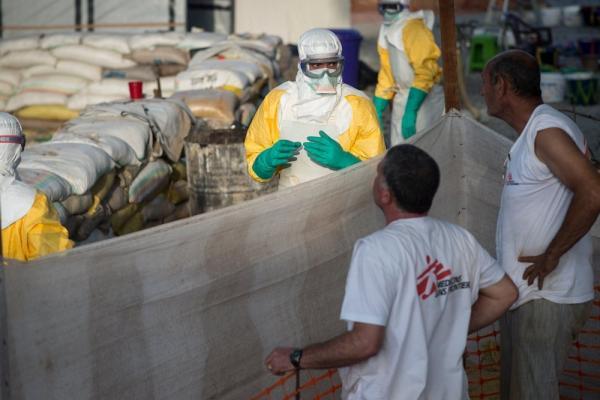 Лихорадка Эбола решила устроить камбэк. И напомнить человечеству, что вакциной эпидемии не остановить
