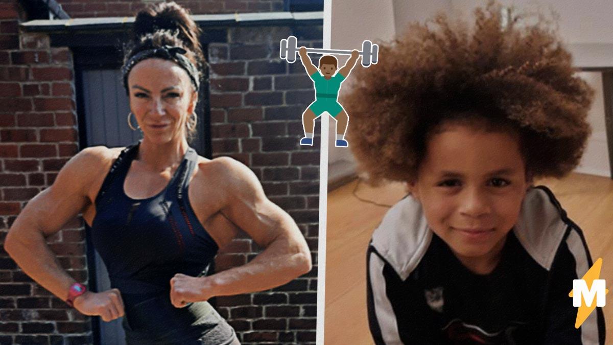 Мама отвела сына в качалку, а он стал горой мышц. Мальчику восемь лет, но его телу позавидует любой бодибилдер