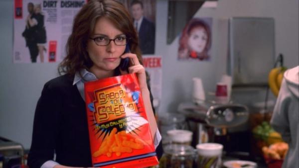 Девушка нашла синий чипс в пачке, и люди спешат её поздравить. Она сорвала куш, и дело тут не в розыгрыше