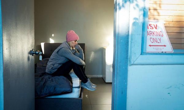 Модель на десять дней отказалась от роскоши и стала бездомной. Опыт показал - она ничего не знает о жизни