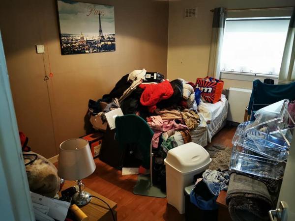 Женщина показала, что будет, если годами копить ненужные вещи. Фото из комнаты в её доме - ад перфекциониста