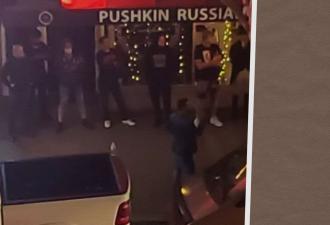 По Сети расходится фото с «русской мафией» из США. Её герой рассказал, как спасает бизнес во время погромов