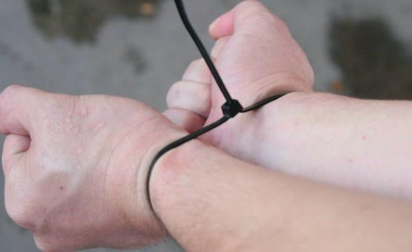 Парень из Череповца завёл ТikTok и покорил всех одним видео. Его руки всегда развязаны - ведь он знает секрет