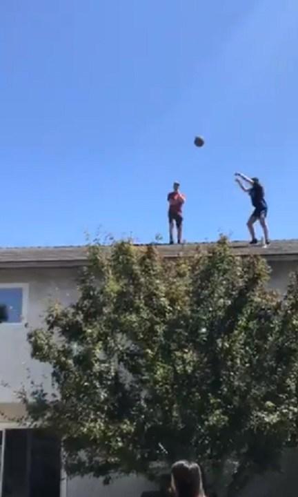 Подростки показали тру-баскетбол, и НБА у них стоит поучиться. Ведь эти ребята явно знают читы к матрице