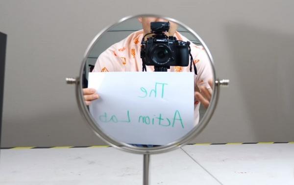 Блогер сделал зеркало, которое не поворачивает отражение. Вы тоже так сможете, но зазеркалье вам не понравится