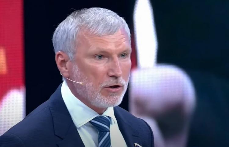 Депутат Госдумы дал совет геям, и людям поплохело от его логики. Но троллить политика это им не помешало