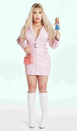 Кен превратился в Барби, но на этом не остановился. Родриго Алвес захотел стать мамой - и людям смешно