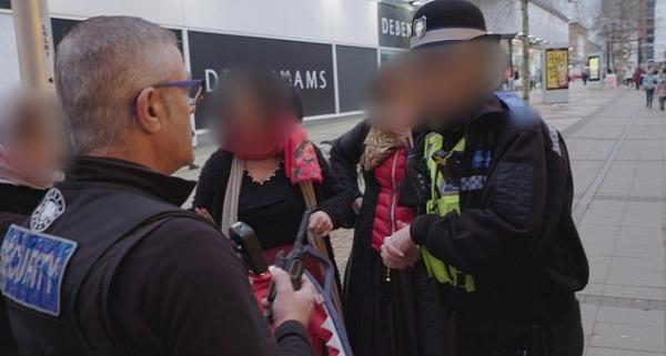 Полиция показала, как борется с магазинными кражами, и удивила людей. Но не своей работой, а хитростью воров