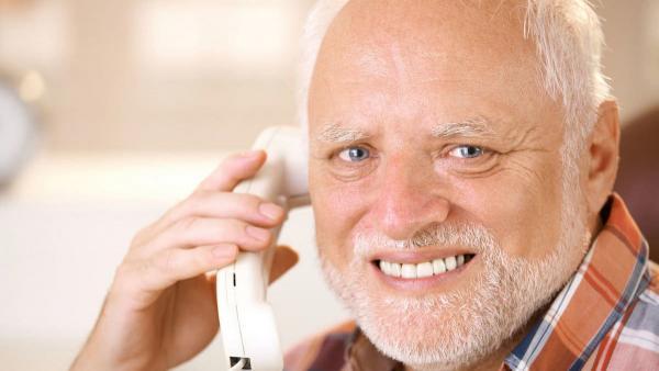 """Дети сделали жест """"Говорю по телефону"""", и взрослым поплохело. Ведь они тут же ощутили себя старыми (и зря)"""