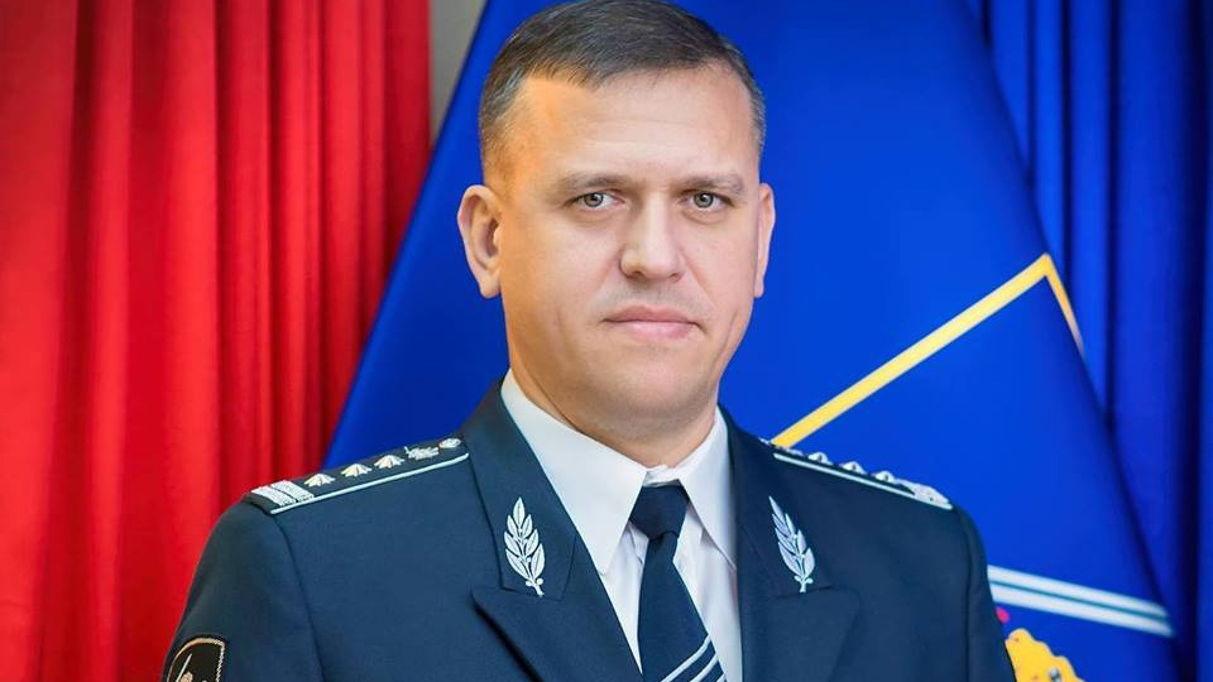 Министр обороны Молдовы словил леща на военных учениях. За такое видео кого-то точно ждёт штраф или повышение