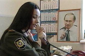 Добро пожаловать в 90-е. Мисс Вселенная работает в милиции, жена Охлобыстина - панк, а Бондарчук ещё не лысый