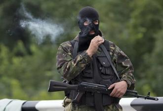Беларусь заявила, что задержала русских боевиков, но людей озадачили кадры обыска. Багаж у бойцов был странный