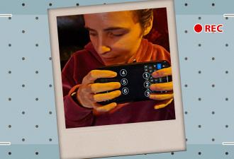 Слепая девушка показала, как пользуется iPhone. И людей сломал способ набора текста, ведь так сможет не каждый