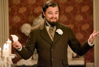 Лео Ди Каприо смеётся и всех переигрывает. Актёр ухмыльнулся в