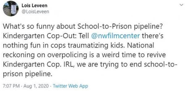 """Женщину возмутил """"Детсадовский полицейский"""", и кина не будет. Остановите планету, мы сойдём - умоляют люди"""
