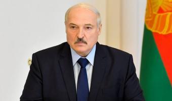 Александра Лукашенко сфоткали с автоматом, и мемы летели быстрее пуль. В них политик — герой GTA и сантехник