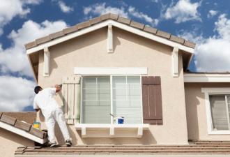 Художник-декоратор покрасил дом, но ошибся адресом. Всё бы ничего, вот только сделал он это 8-й раз за 3 года
