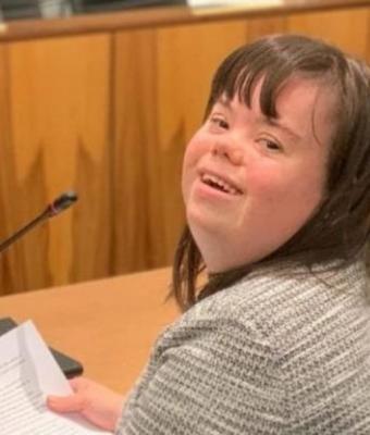 Девушка с синдромом Дауна рассказала о жизни с этим диагнозом. Люди не догадывались, сколько в ней ограничений
