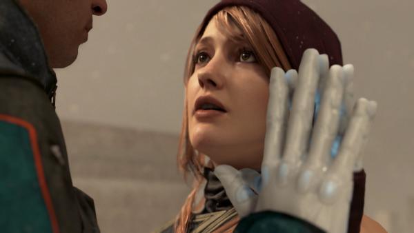 Парень показал замёрзшие руки своей девушки, но люди зря верят, что она андроид. Всё дело в редкой болезни