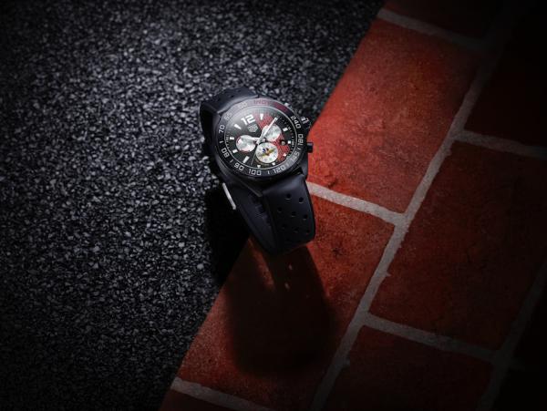 TAG Heuer выпустил лимитированные часы в честь гонки Индианаполис 500