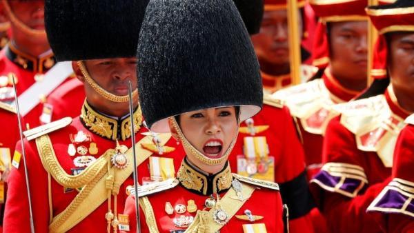 За год из королев в наложницы. Кто такая Сининат - любовница короля Таиланда и жена с самой несчастной судьбой