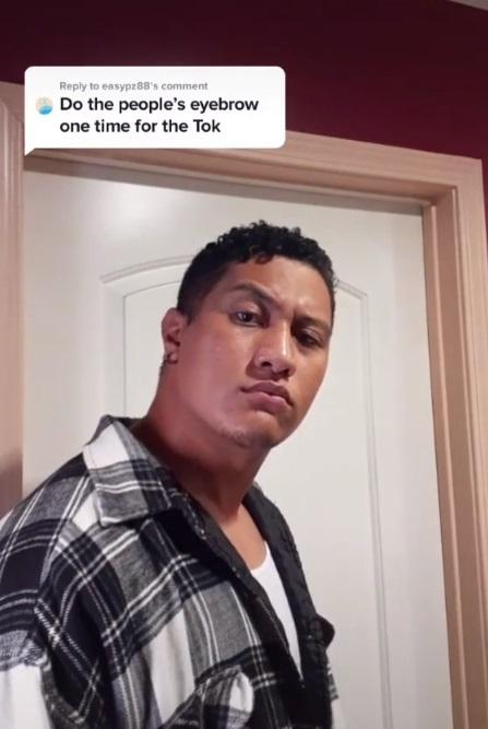 Подросток из Самоа украл славу Скалы Джонсона. Он не только земляк рестлера, но и его точная (молодая) копия