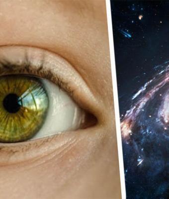 Девушка показала свои глаза после лечения катаракты. В них можно увидеть космос, потому что они сами — звёзды